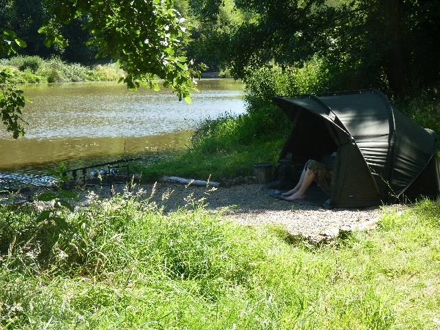 http://www.puyravaudcarp.com/wp-content/uploads/2016/08/bivvy_up_at_puyravaud_20100802_1105450177.jpg
