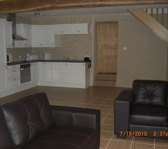 http://www.puyravaudcarp.com/wp-content/uploads/2016/08/kitchen_area_20110918_1486424554-540x480.jpg