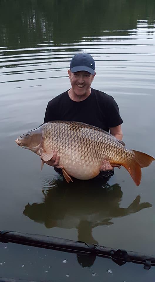 Matts-new-lake-record-57.0lbs.jpg