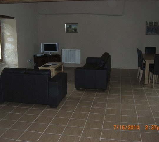 https://www.puyravaudcarp.com/wp-content/uploads/2016/08/lounge_area_20110918_1940816291-540x480.jpg