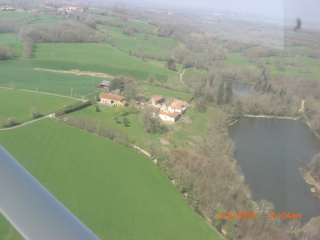 https://www.puyravaudcarp.com/wp-content/uploads/2016/08/puyravaud_air_20100427_2086941921.jpg