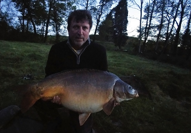 https://www.puyravaudcarp.com/wp-content/uploads/2016/09/Ross-Burgess-53lb-8oz-Kingfisher-Lake-record-659582.jpg